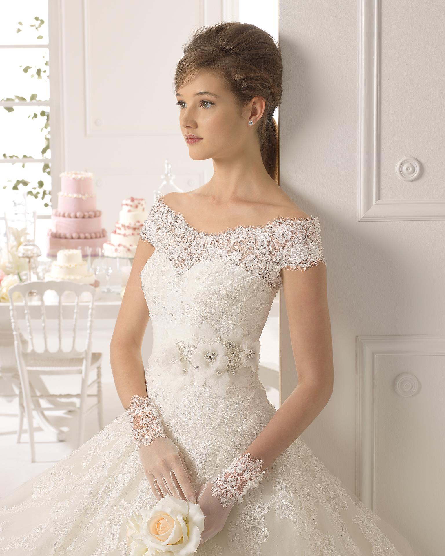 compra venta mayor selección Tener cuidado de Ayamonte vestido de novia tejido encaje, pedreria y tul ...