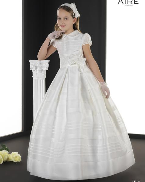 Lila vestido de comunión corte evasé