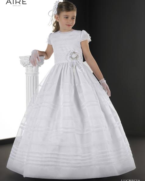 Lucrecia vestido de comunión corte evasé