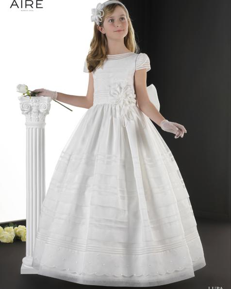 Lupa vestido de comunión corte evasé