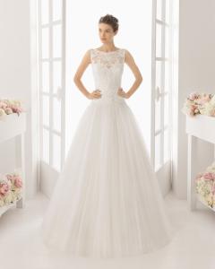 MARA vestido de novia  en guipour pedreria y tul.