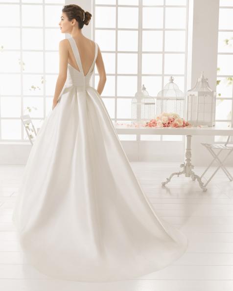 MESON vestido de novia de Aire Barcelona 2016