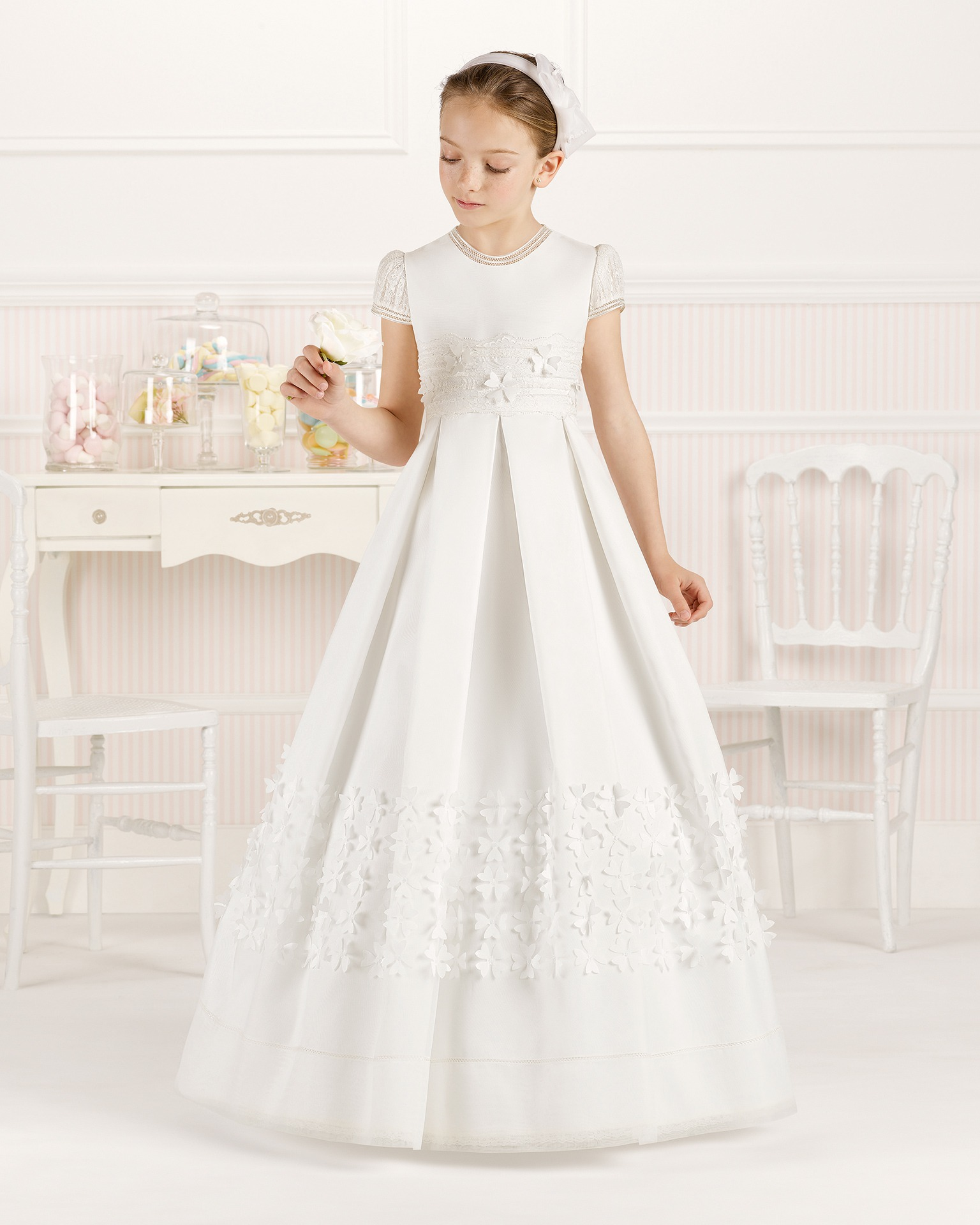 9O101 ballgown-style First Communion dress