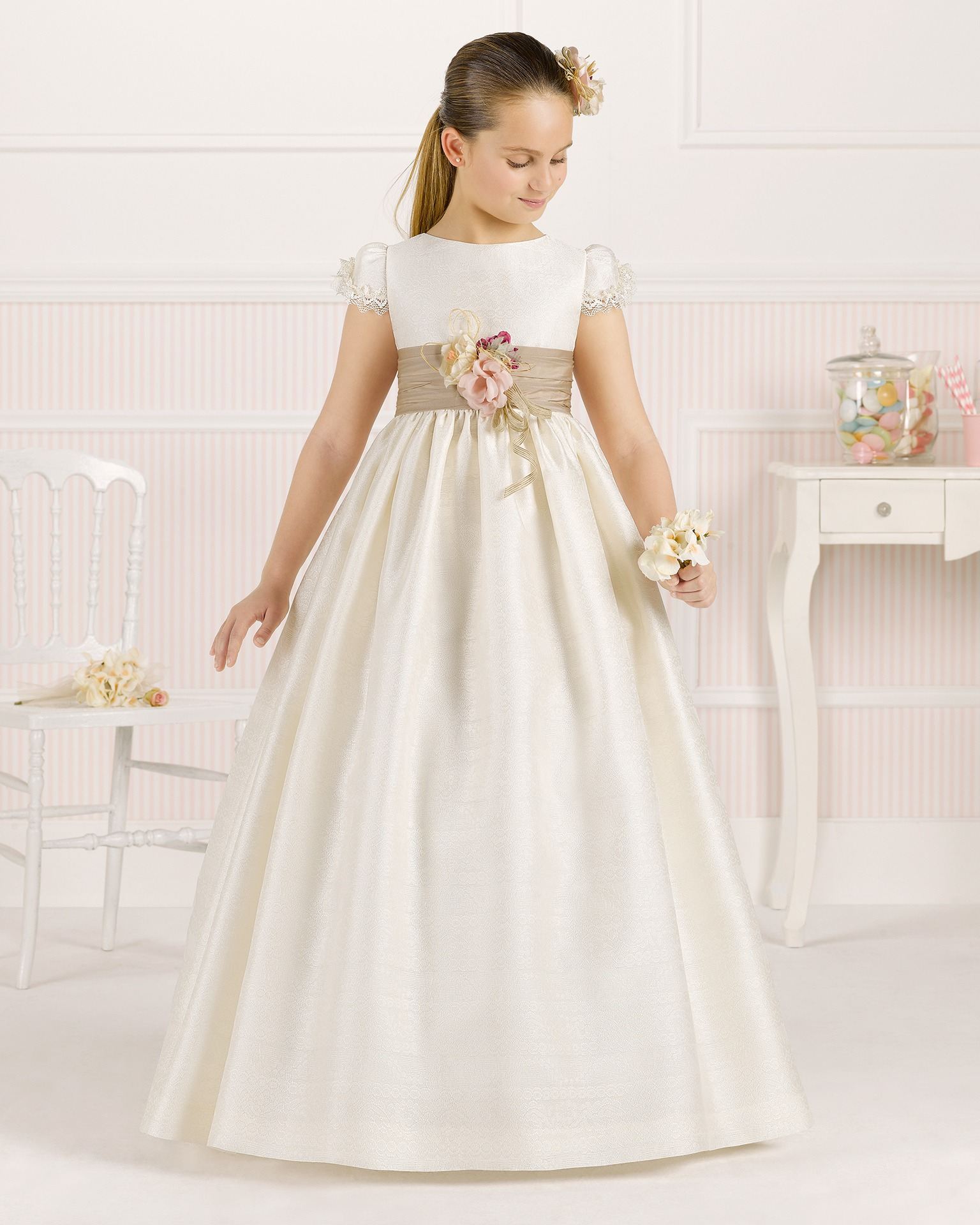 9O105  ballgown-style First Communion dress