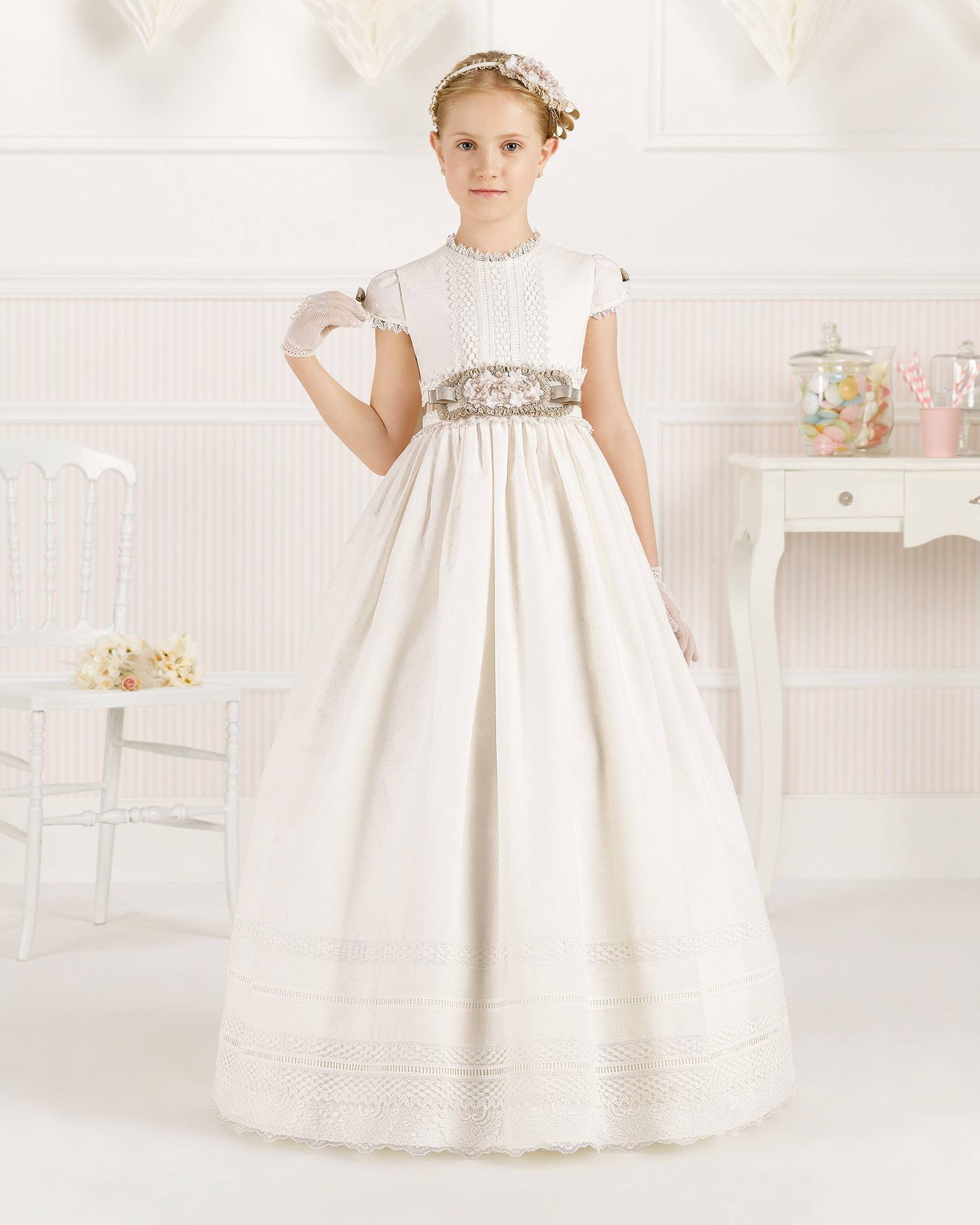 9O106 ballgown-style First Communion dress