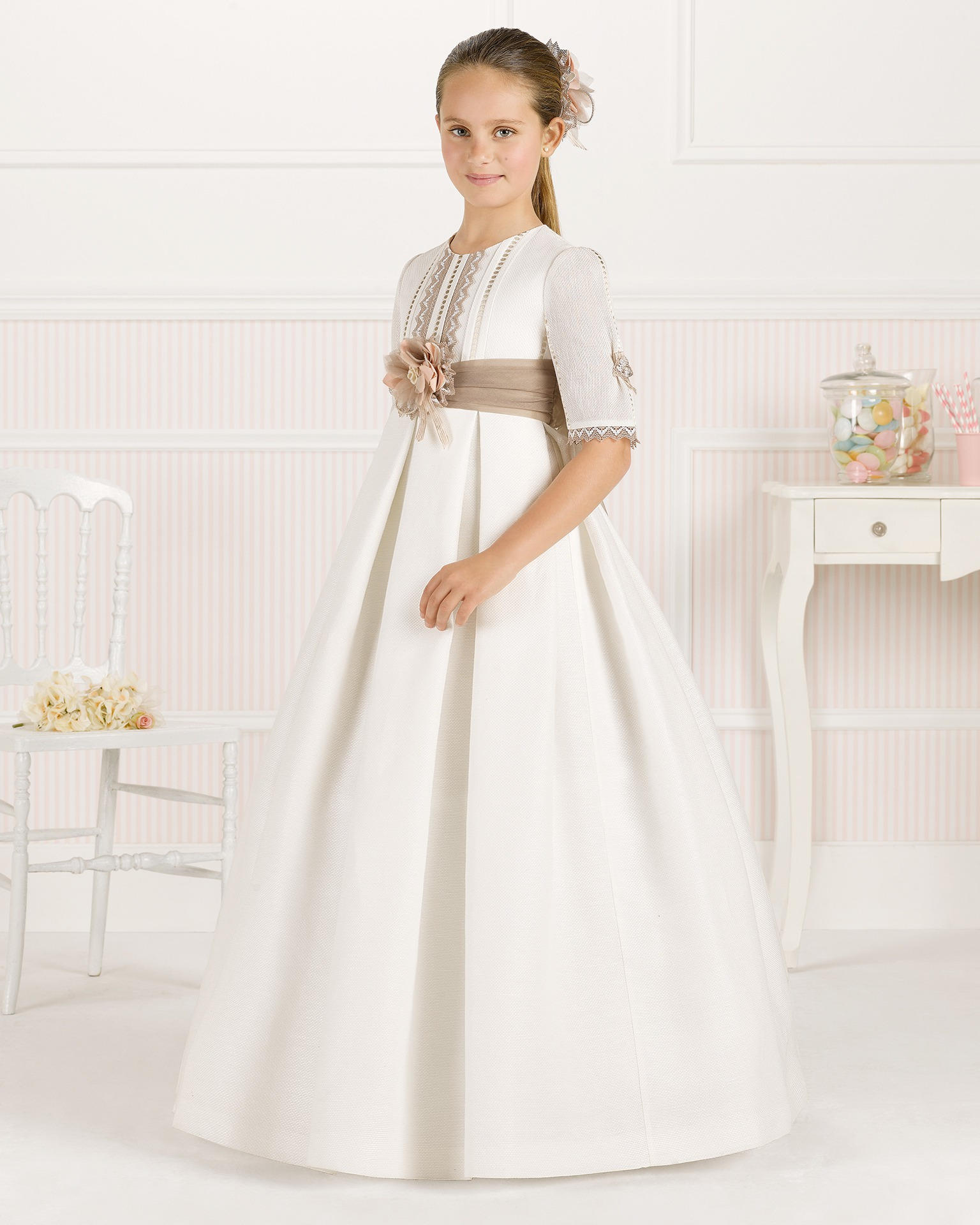 9O107 ballgown-style First Communion dress
