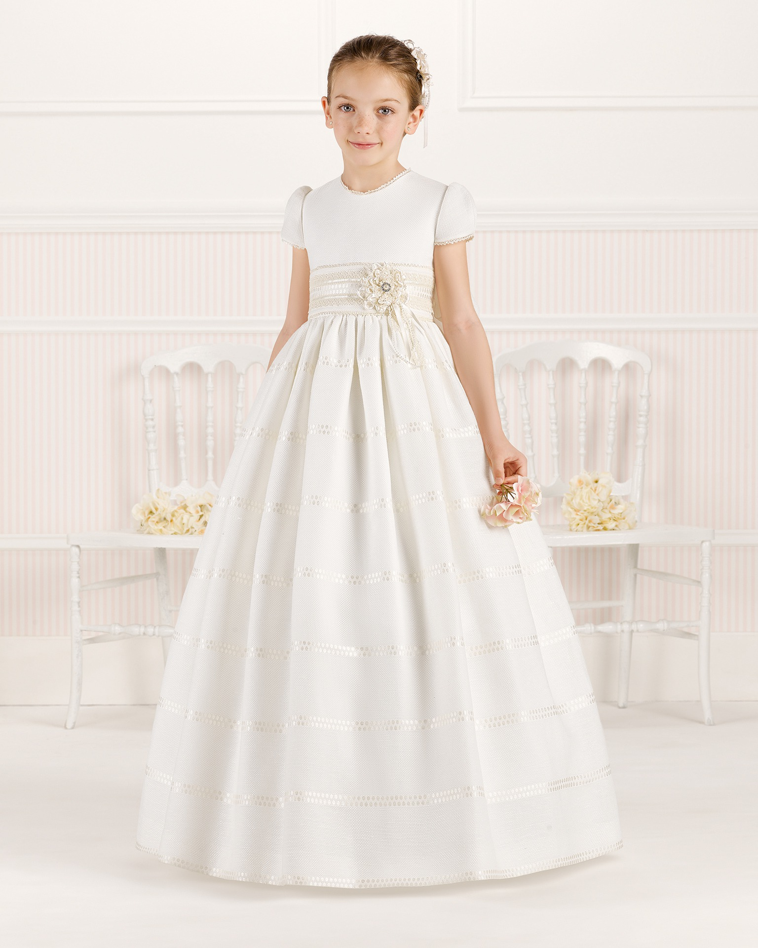 9O108 ballgown-style First Communion dress