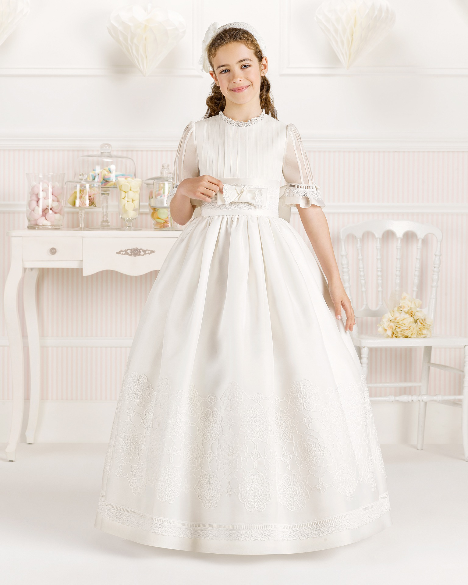 9O109 ballgown-style First Communion dress