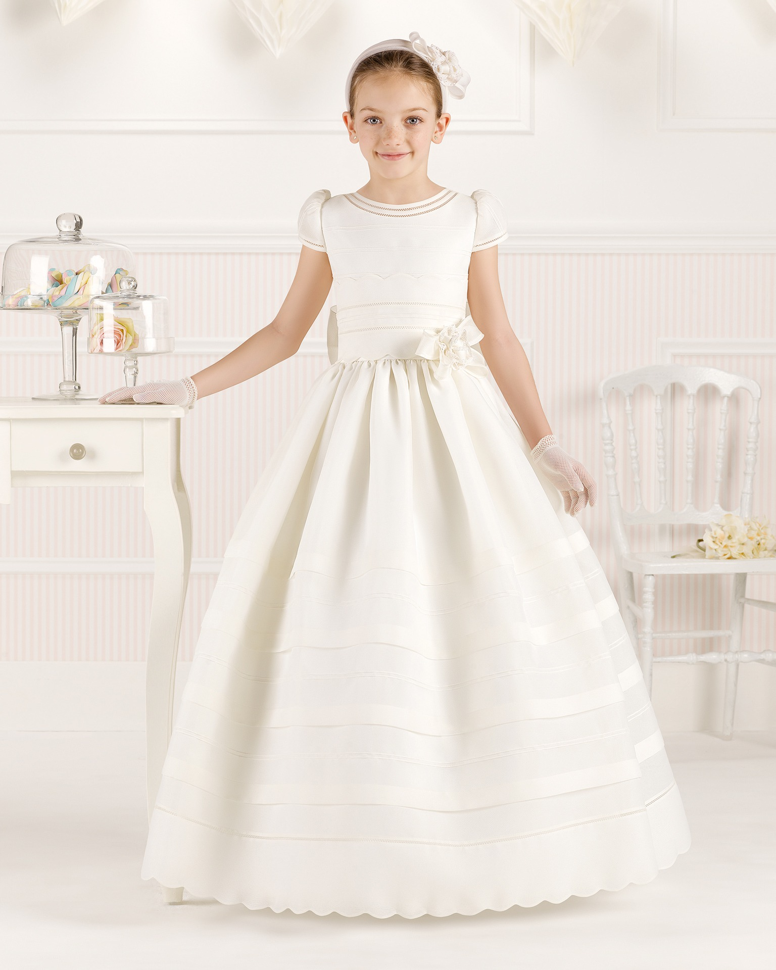 9O112 ballgown-style First Communion dress