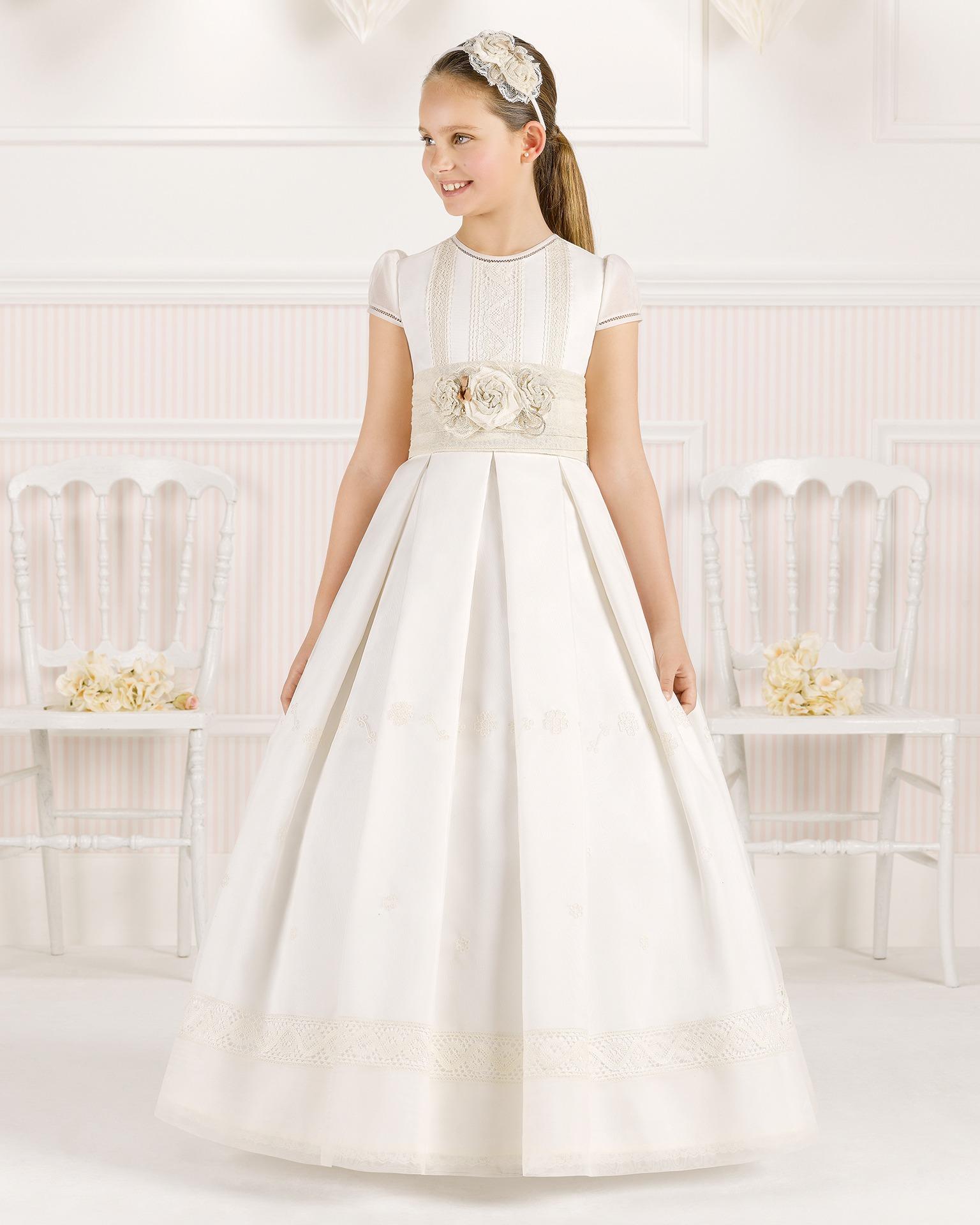 9O121 rochie pentru prima comuniune cu croială evazată