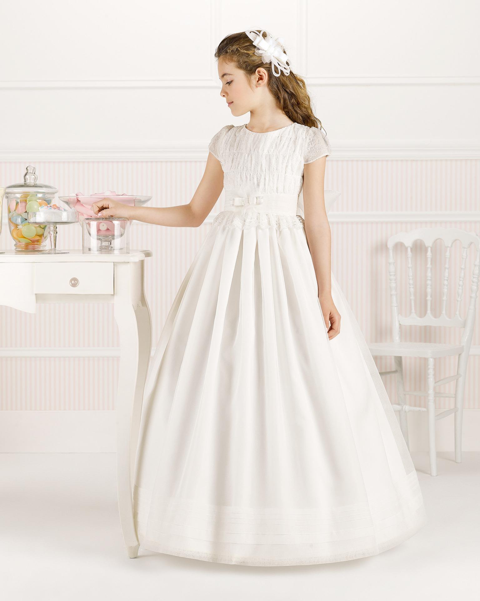 9O125 rochie pentru prima comuniune cu croială evazată