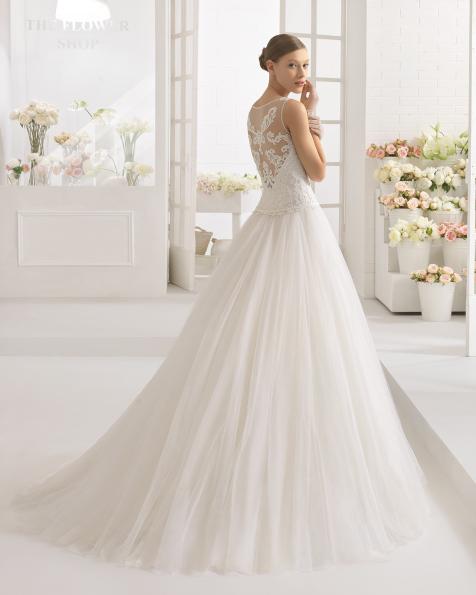 CAPEL Kleid aus strassbesetzter Spitze und Tüll.