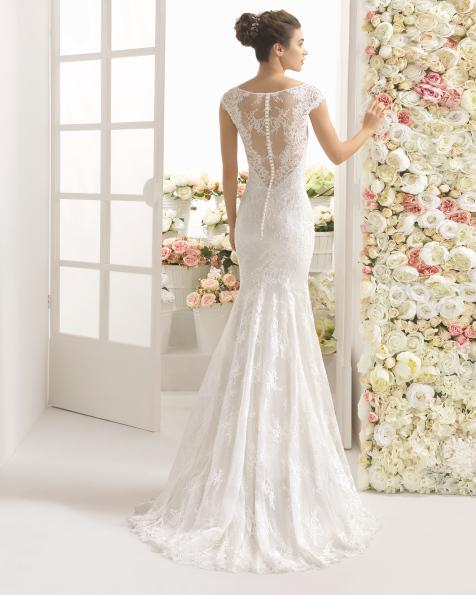 CARIZ rochie de mireasă cu decolteu bărcuță.