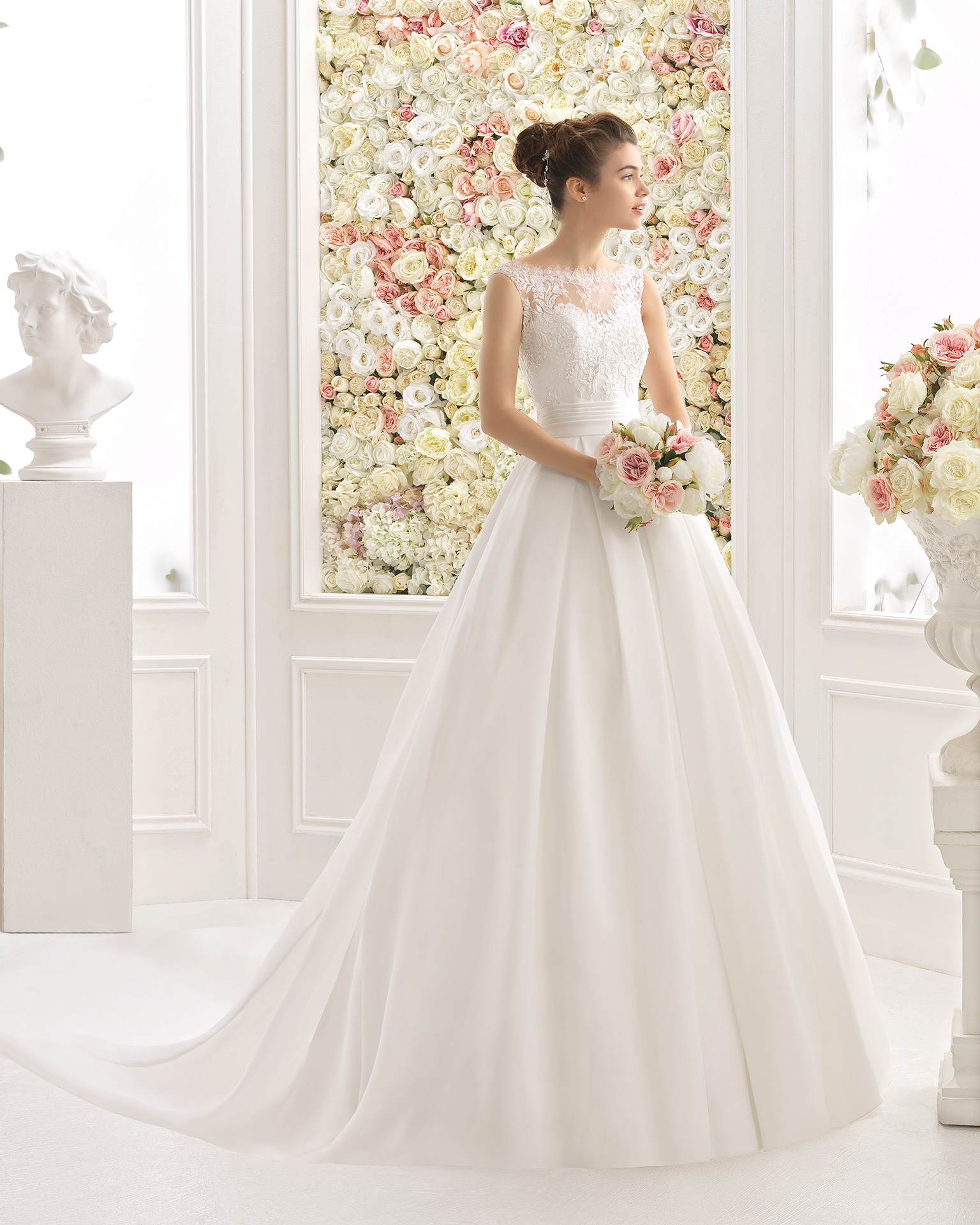 CELEBRE robe de mariée Aire Barcelona 2017
