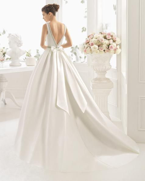 CHAPLIN vestido de noiva Aire Barcelona 2017