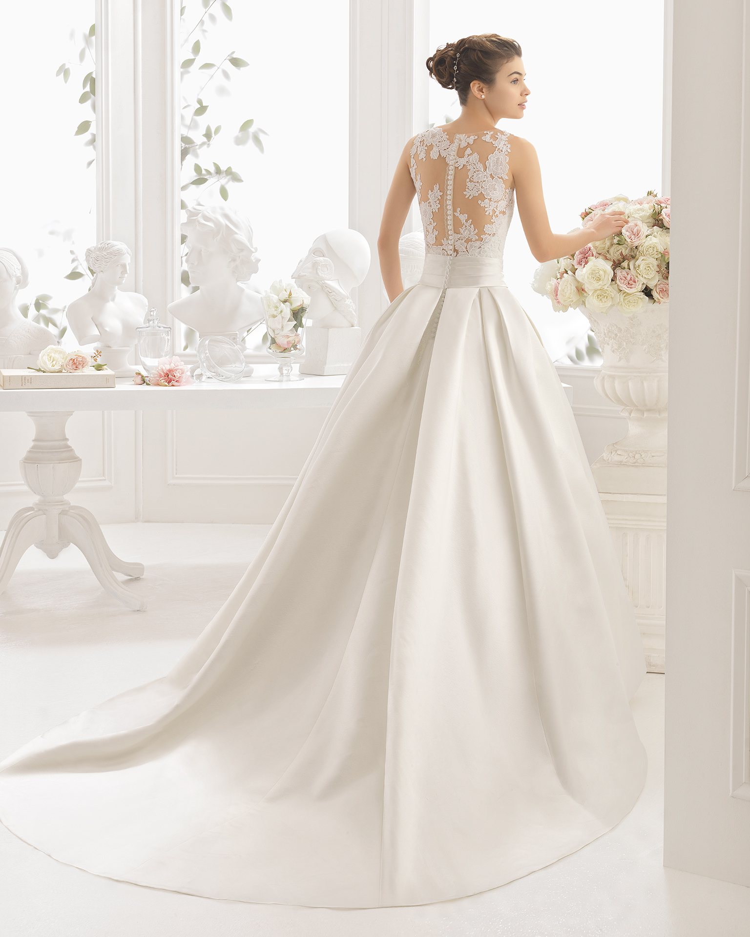 CIRA wedding dress - Aire Barcelona 2017