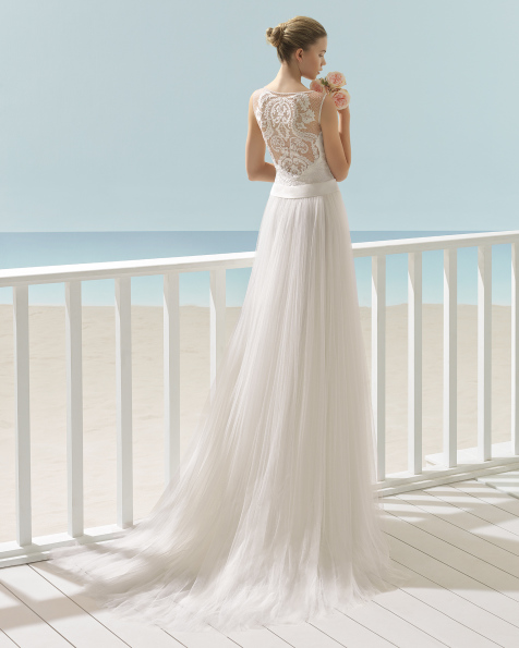 XENON Brautkleid Aire Barcelona Beach Wedding 2017