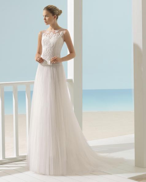 XENON leichtes Kleid mit Oberteil aus strassbesetzter Spitze und Rock aus Tüll.