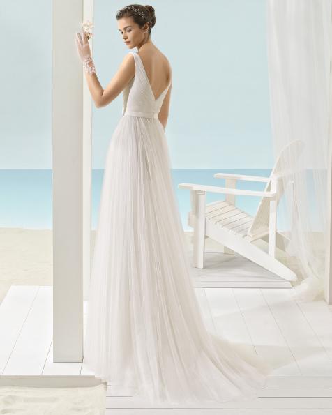 ona vestido de novia Aire Barcelona Beach Wedding 2017