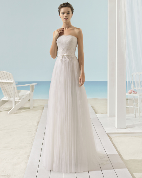 XENOS wedding dress - Aire Barcelona Beach Wedding 2017