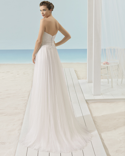 XENOS soft tulle dress.