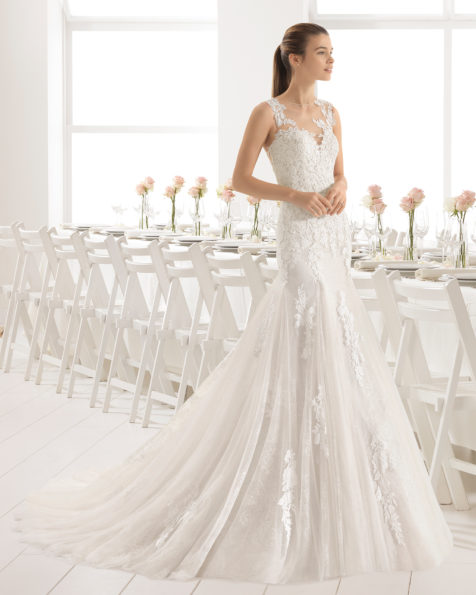 Mermaid-style matt cotton guipure and tulle wedding dress with sweetheart neckline and tattoo back, in nude and natural/nude.