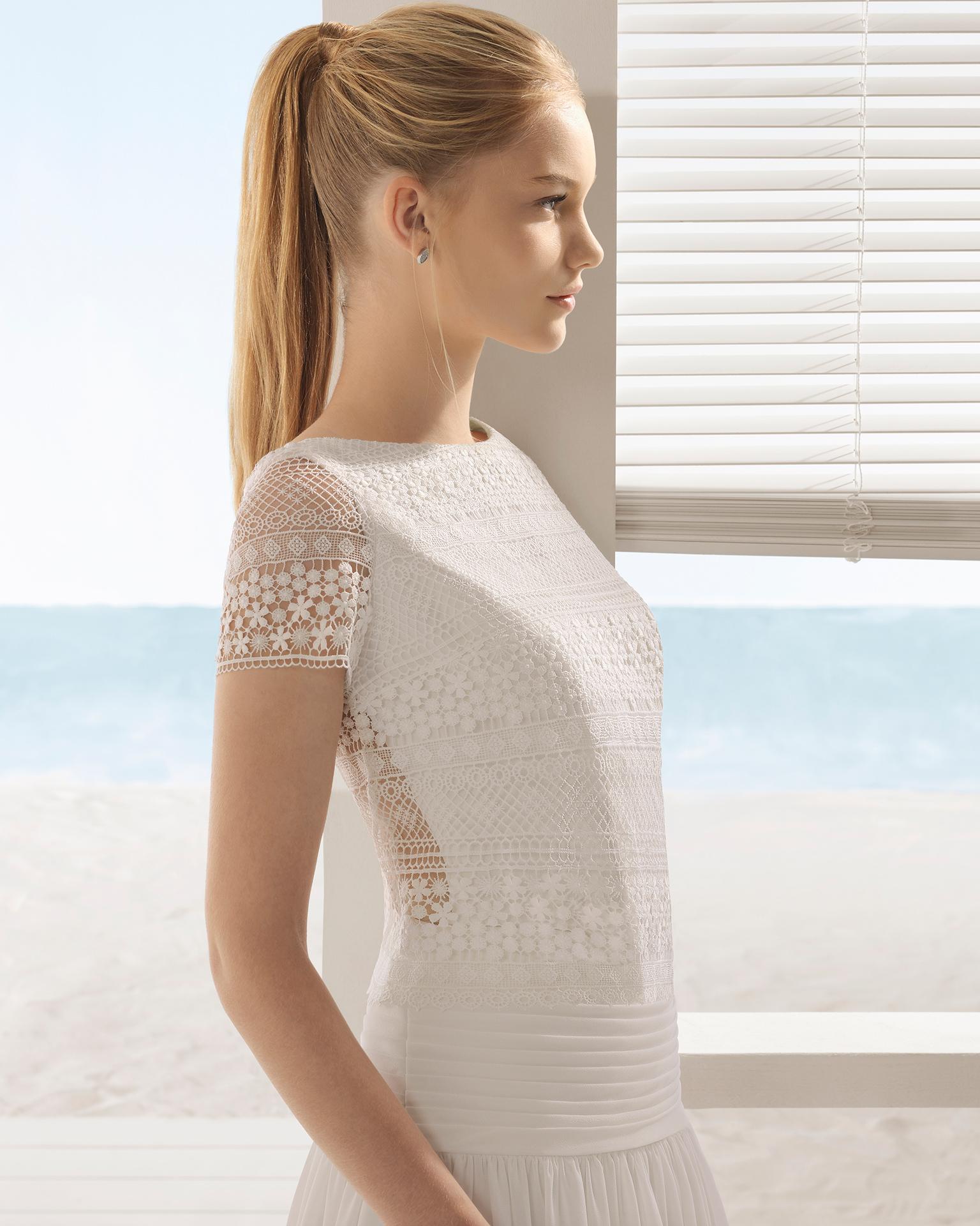 Vestido de noiva de três peças Boho de crepe georgete e renda de manga curta.