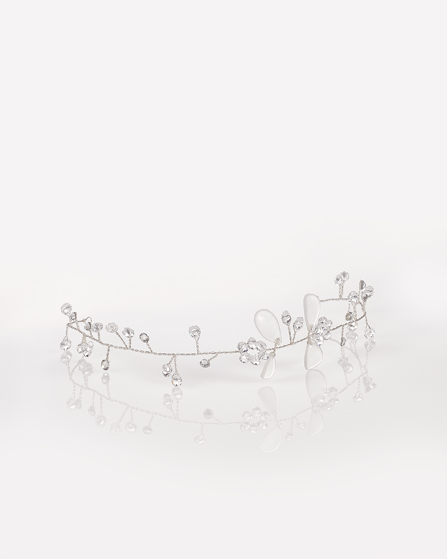 Silver wire headpiece, in silver. 2018 AIRE BARCELONA Collection.