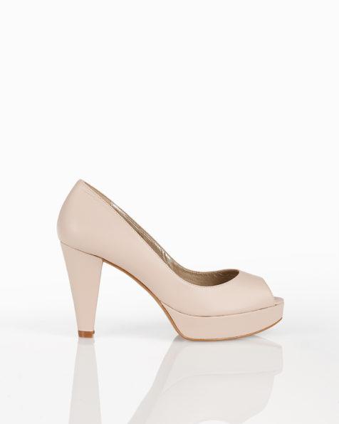 Chaussures de mariée style peep toe en cuir, avec plate-forme et talon haut, disponible en naturel, argent, nude et or. Collection AIRE BARCELONA 2018.