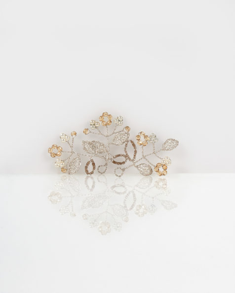 Lucia jewelled silver wire headpiece hairclip, in silver (3 units). 2018 AIRE BARCELONA Collection.