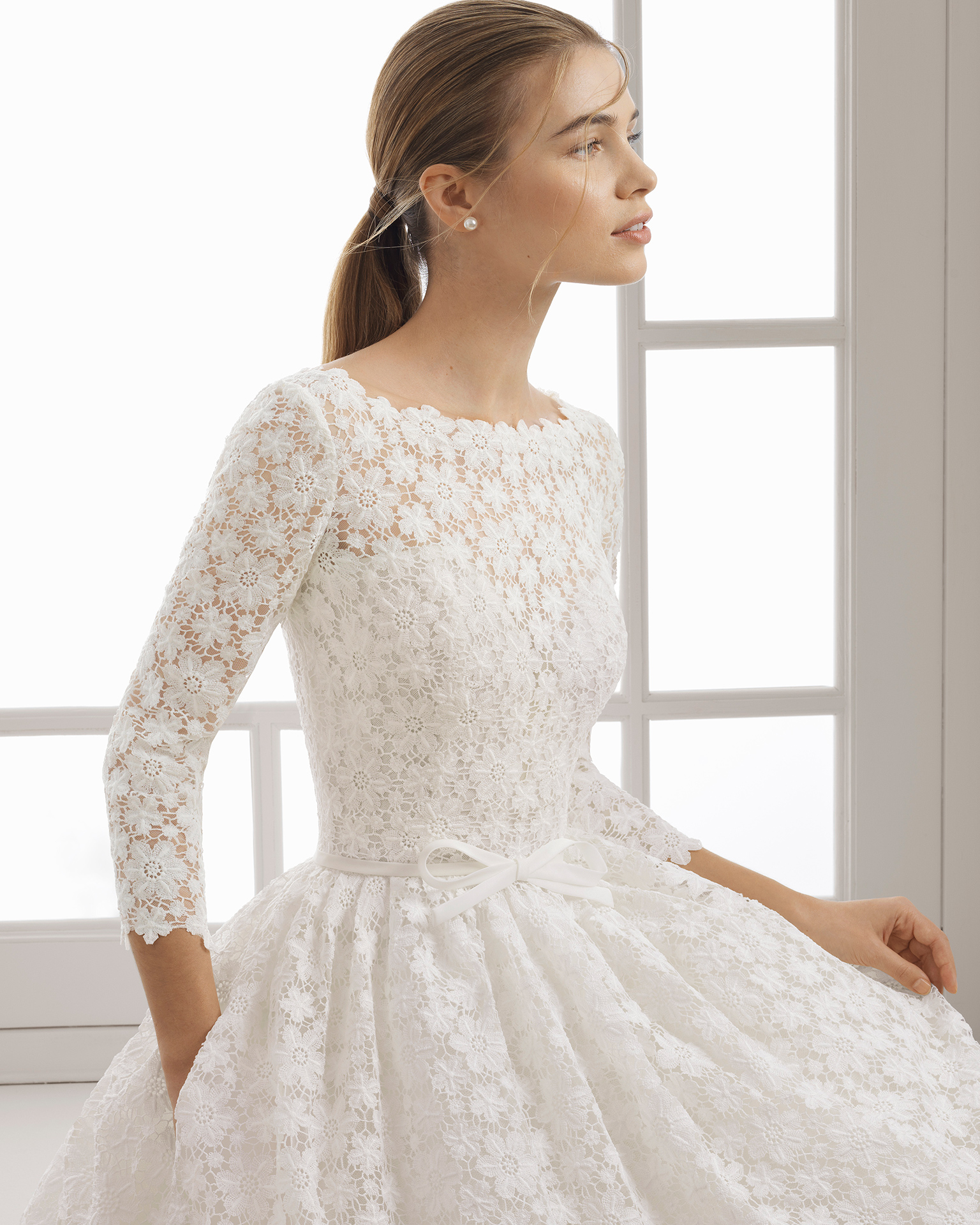 Vestido novia corto manga larga