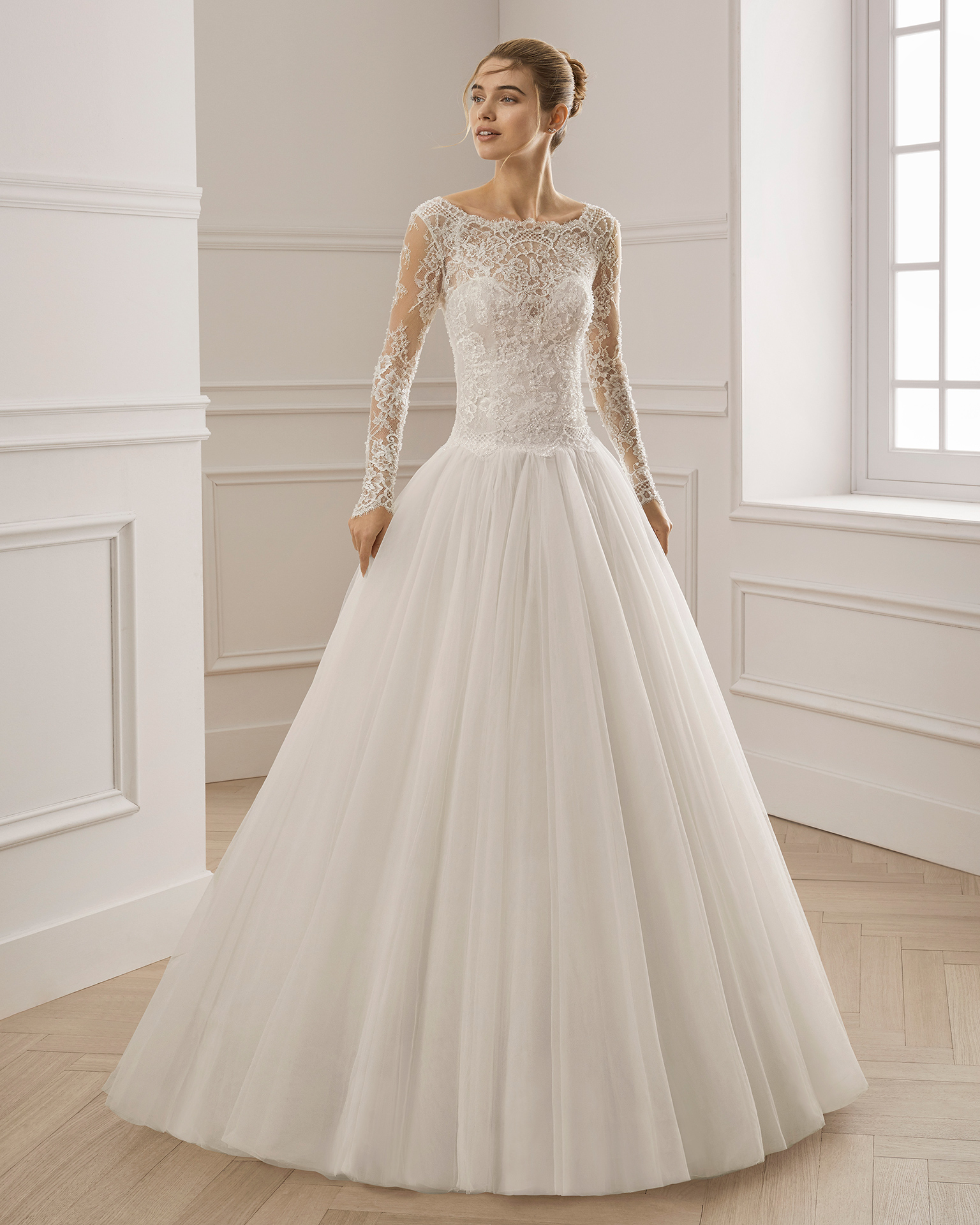 Princessstyle Beaded Lace And Tulle Wedding Dress Bateau Neckline Long Sleeves With: Wedding Dress Sleeves Princess Styles At Reisefeber.org