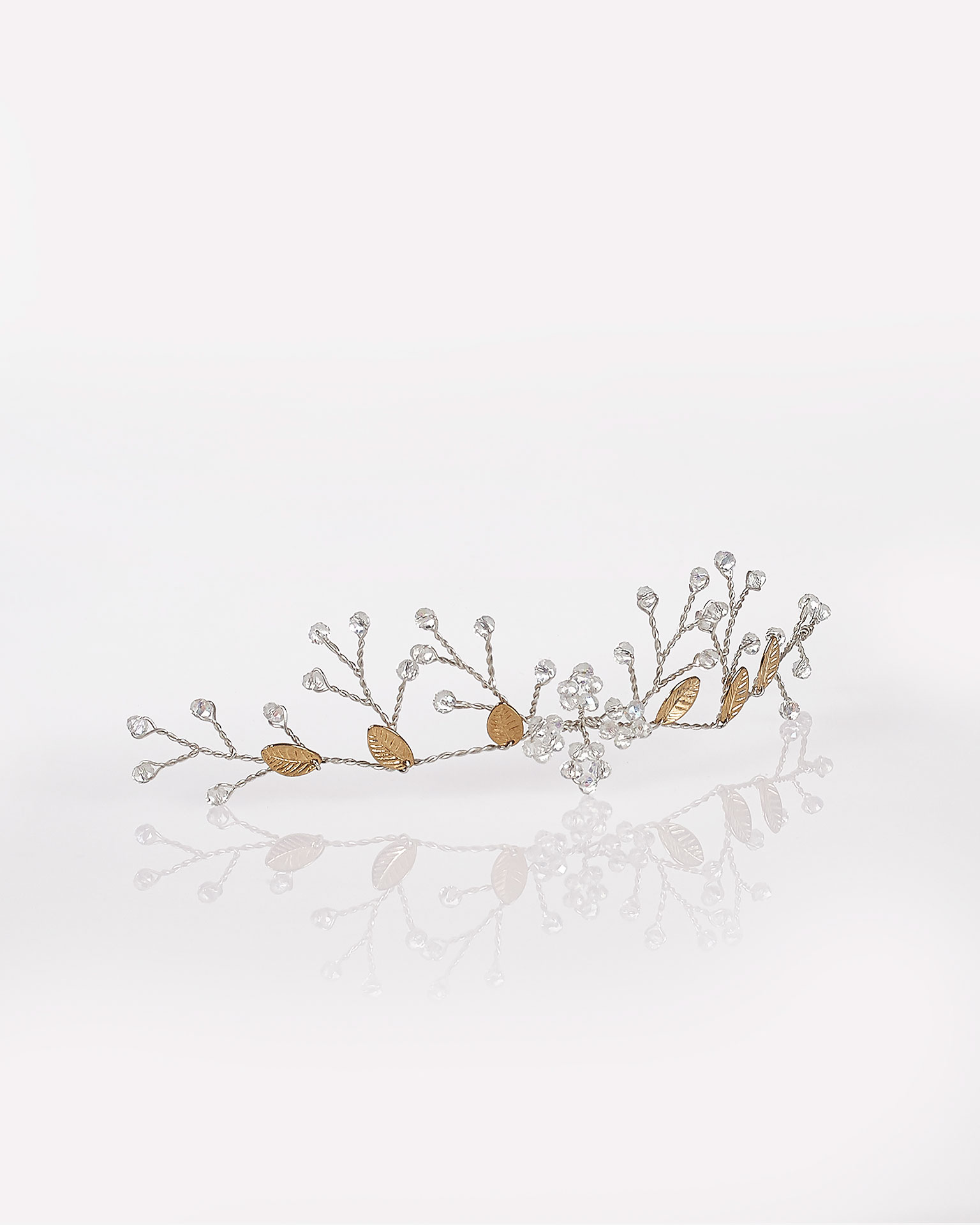 Silver wire headpiece, in silver. 2019 AIRE BARCELONA Collection.