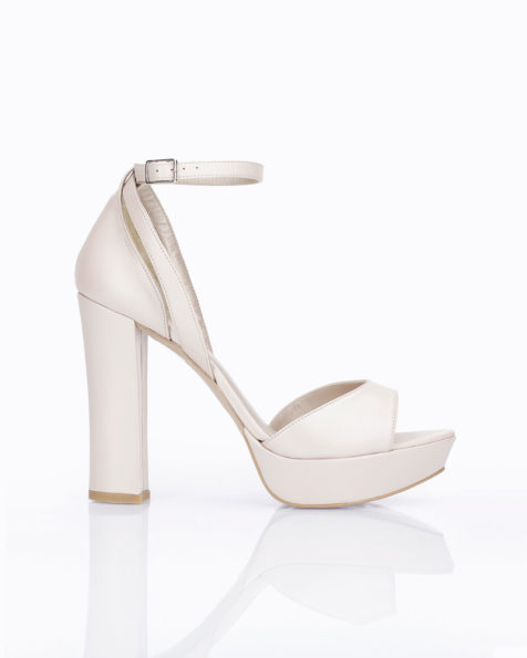 Leather bridal platform sandals with closed high heel, available in natural, nude, gold and silver. 2019 AIRE BARCELONA Collection.
