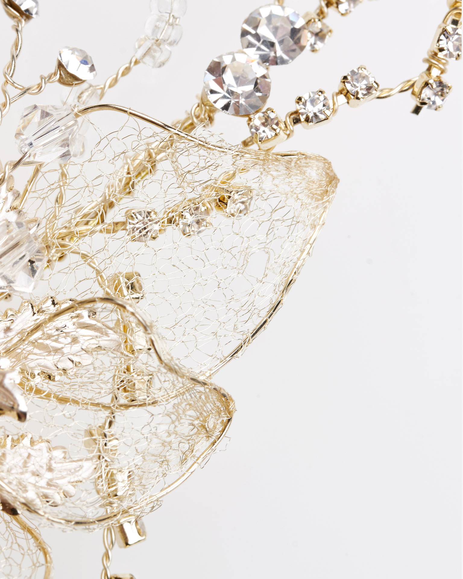 Metallic fibre and crystal bridal brooch, in silver and gold. 2019 MARTHA_BLANC Collection.