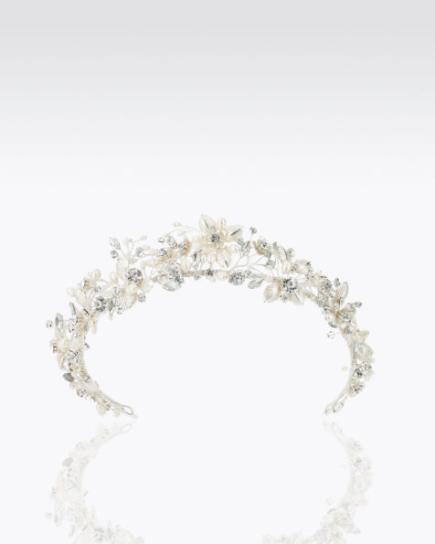 Crystal and metal bridal crown. Available in silver. 2019 MARTHA_BLANC Collection.