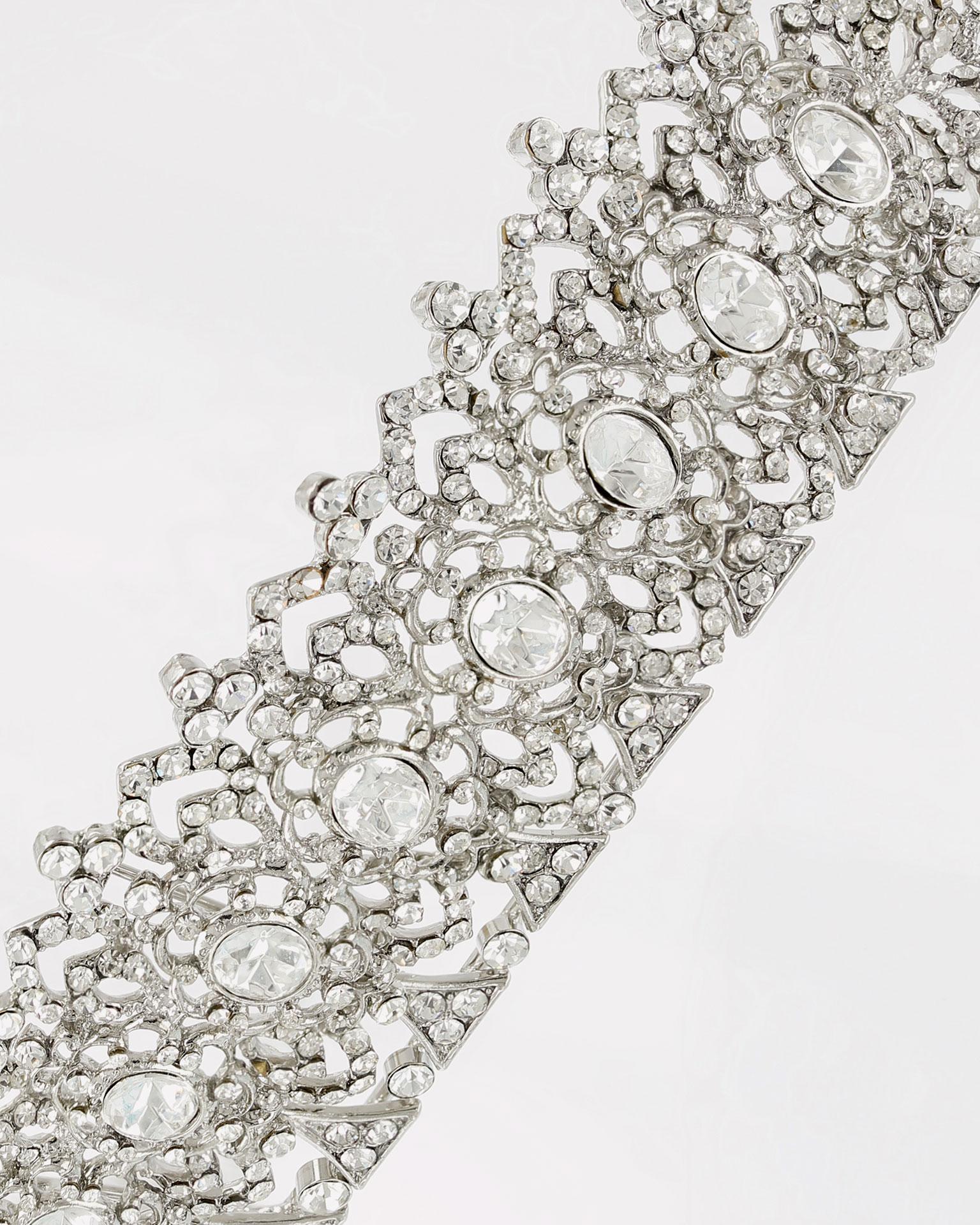 Corona de novia en cristal y metal. Disponible en color plata. Colección MARTHA_BLANC 2019.
