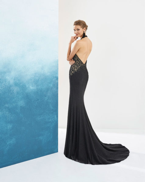 Cocktail dress in beaded lurex. Sleeveless, with low back. Available in turquoise/nude, cobalt/nude, black/nude and silver/nude. 2019 AIRE_BARCELONA_FIESTA Collection.