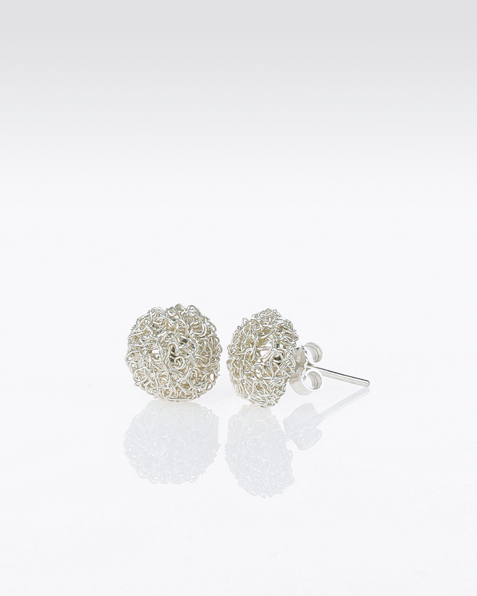 P48 jewelled silver wire ball earrings, in silver. 2019 AIRE BARCELONA Collection.