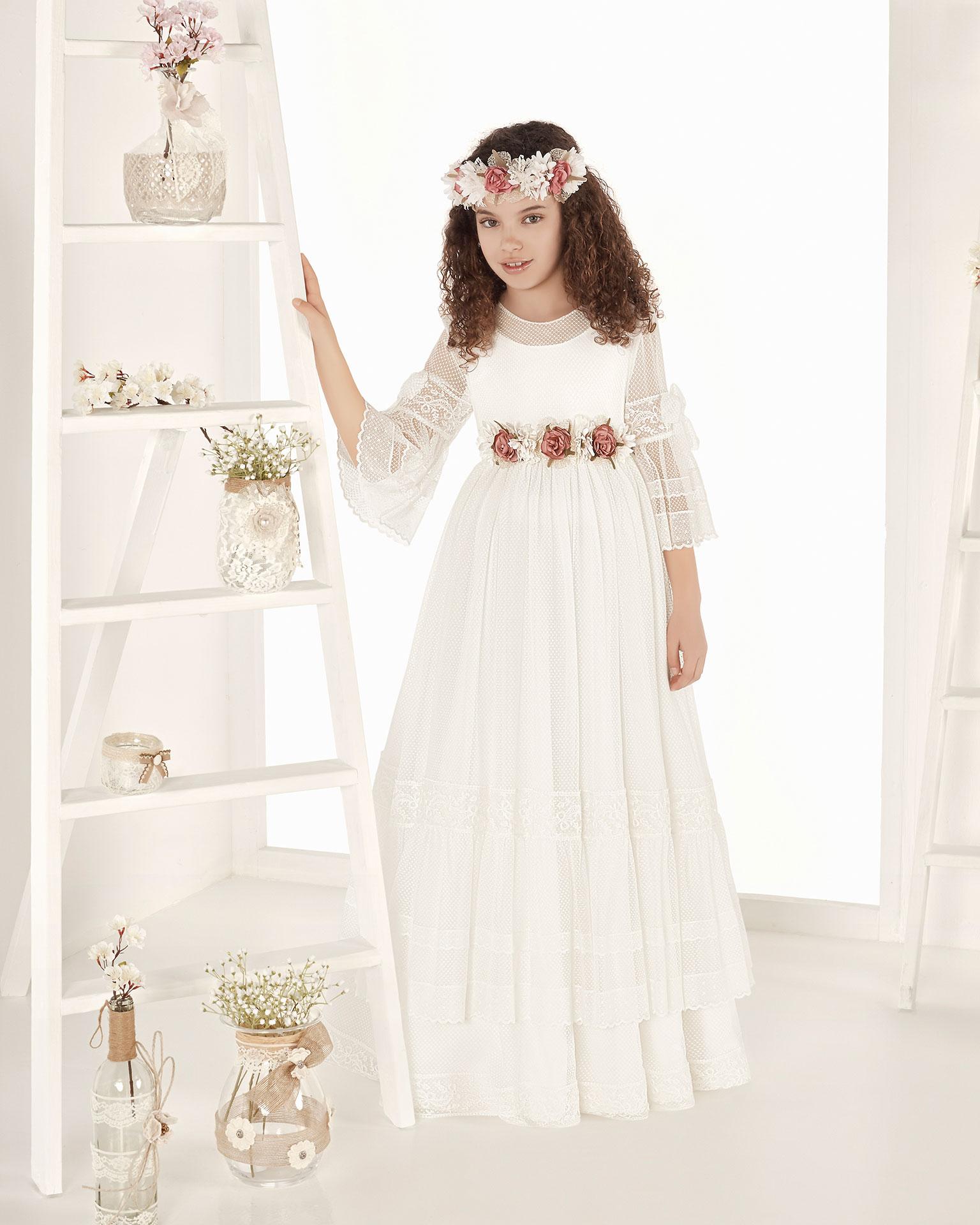 .2019 مجموعة فساتين AIRE COMUNION فستان للمناولة الأولى ذو تصميم للأميرات من التل المطبّع. مع خصر عالي. باللون الطبيعي.